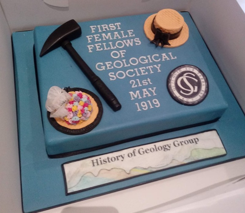 The design and colour of the Geological Society celebration cake symbolises 'blue-stocking' geological fieldwork.