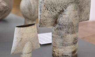 Photo of two ceramic pieces from the Salisbury Family collection of Studio Ceramics © The estate of Hans Coper